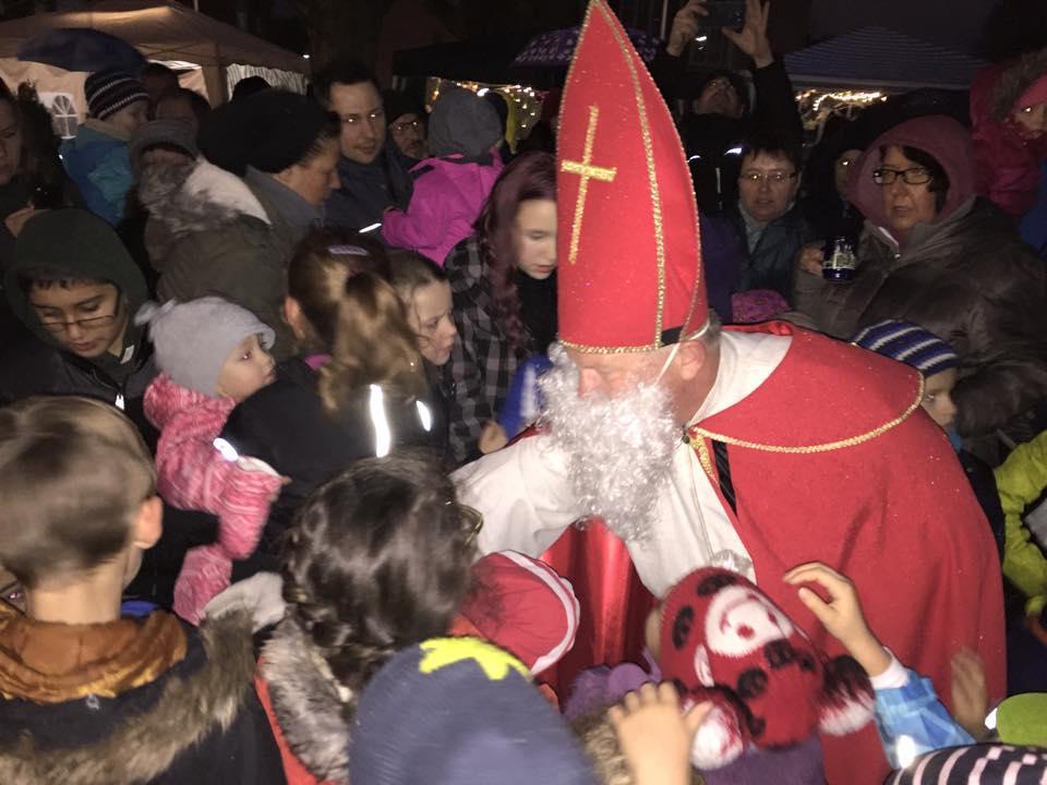 Der Nikolaus ist Da