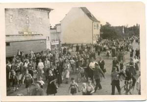 042a-Niederfeldschule1. Spatenstich  1950